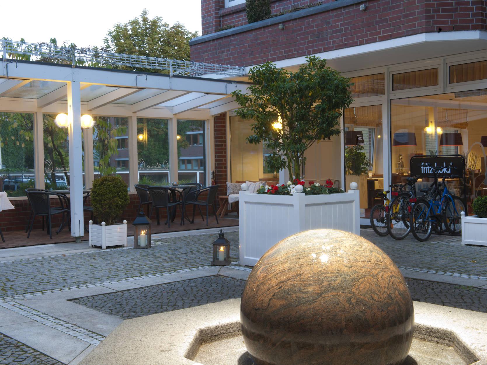 Aussenansicht Hotel am Stadtpark Buxtehude 3 uai