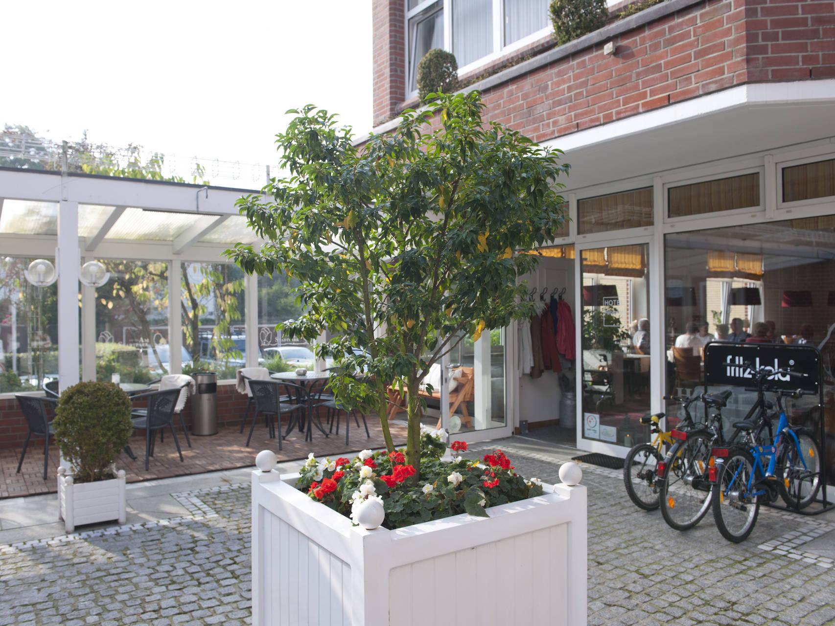 Aussenansicht Hotel am Stadtpark Buxtehude 4 uai