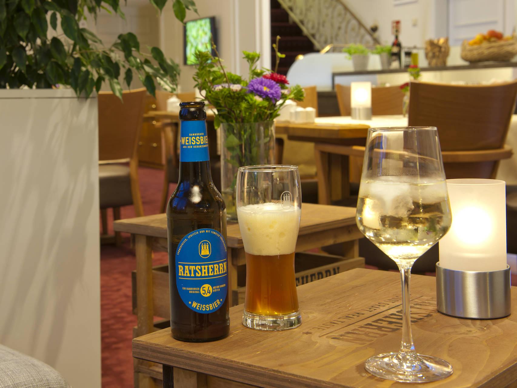 Flure Hotel am Stadtpark Buxtehude 2 uai