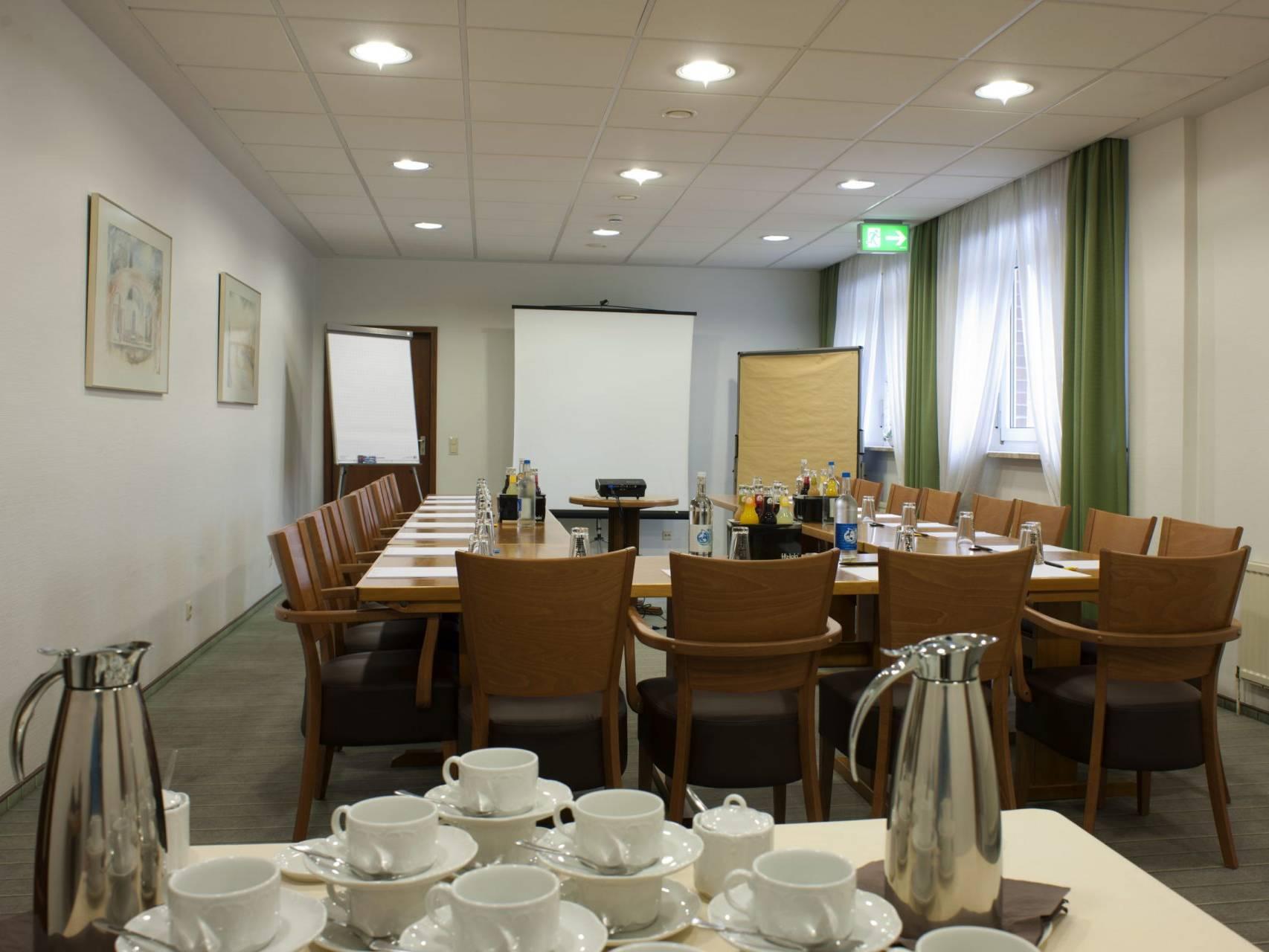 Konferenzraum Hotel am Stadtpark Buxtehude 1 scaled uai